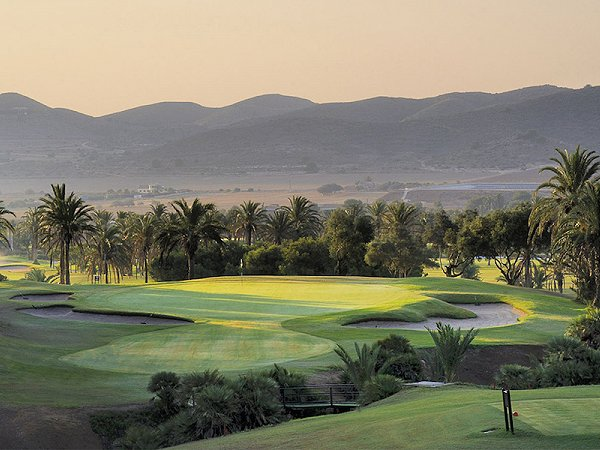 Curiosidades golf la manga club properties