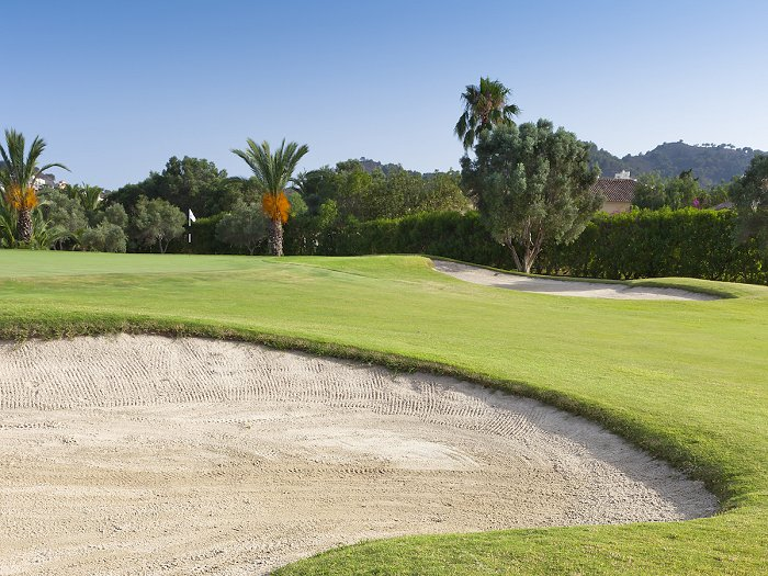Golf shots to practice at your La Manga Club property